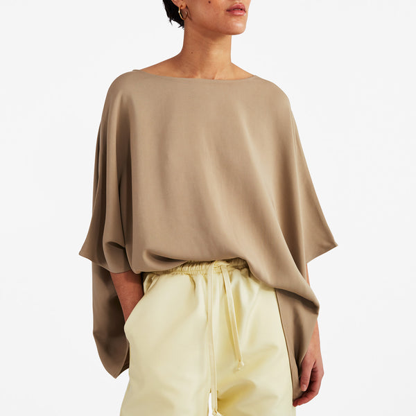 Wide Top in Taupe