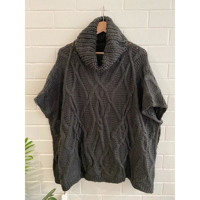 romi cable knit poncho - graphite - kl276