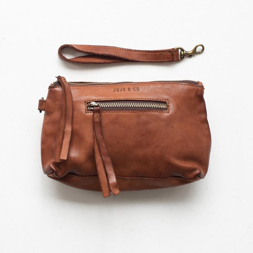 small leather essential pouch - B6408- cognac