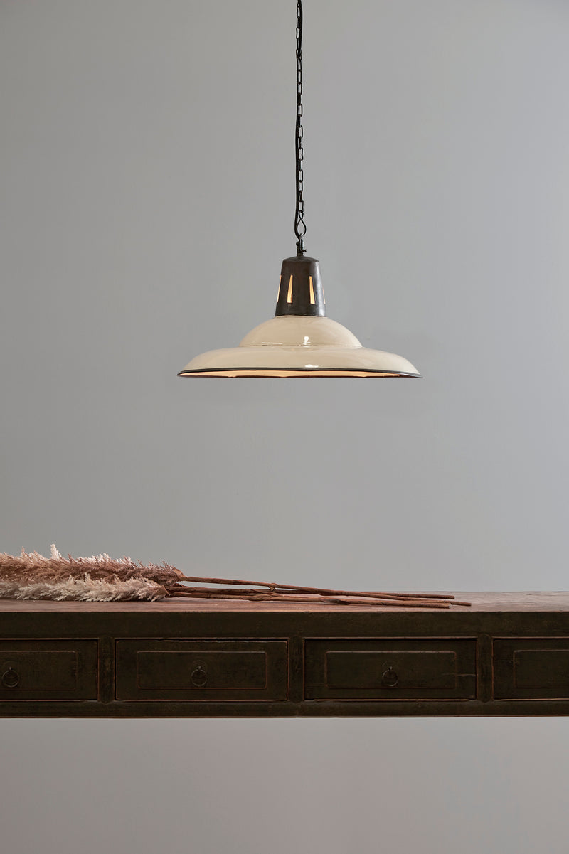 Zetland - Old White - Enamelled Iron Dish Pendant Light