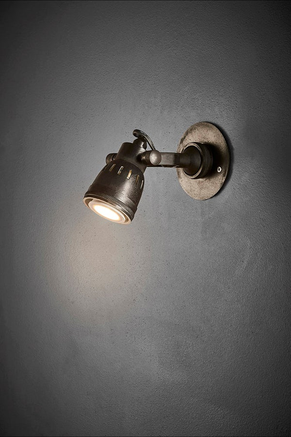 Seattle Short Arm Wall - Matt Black - Solid Metal Short Arm Adjustable Wall-mounted Spotlight