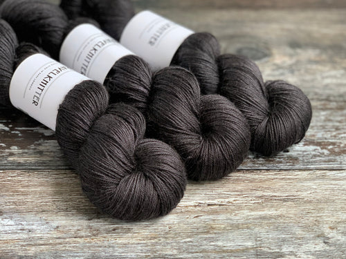 Tanami baby camel and silk hand dyed 4ply yarn - Laneway City