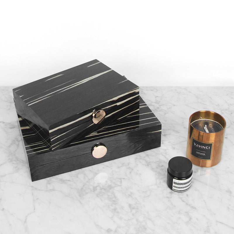 Wood Grain Pattern Black Round Button Jewelry Box
