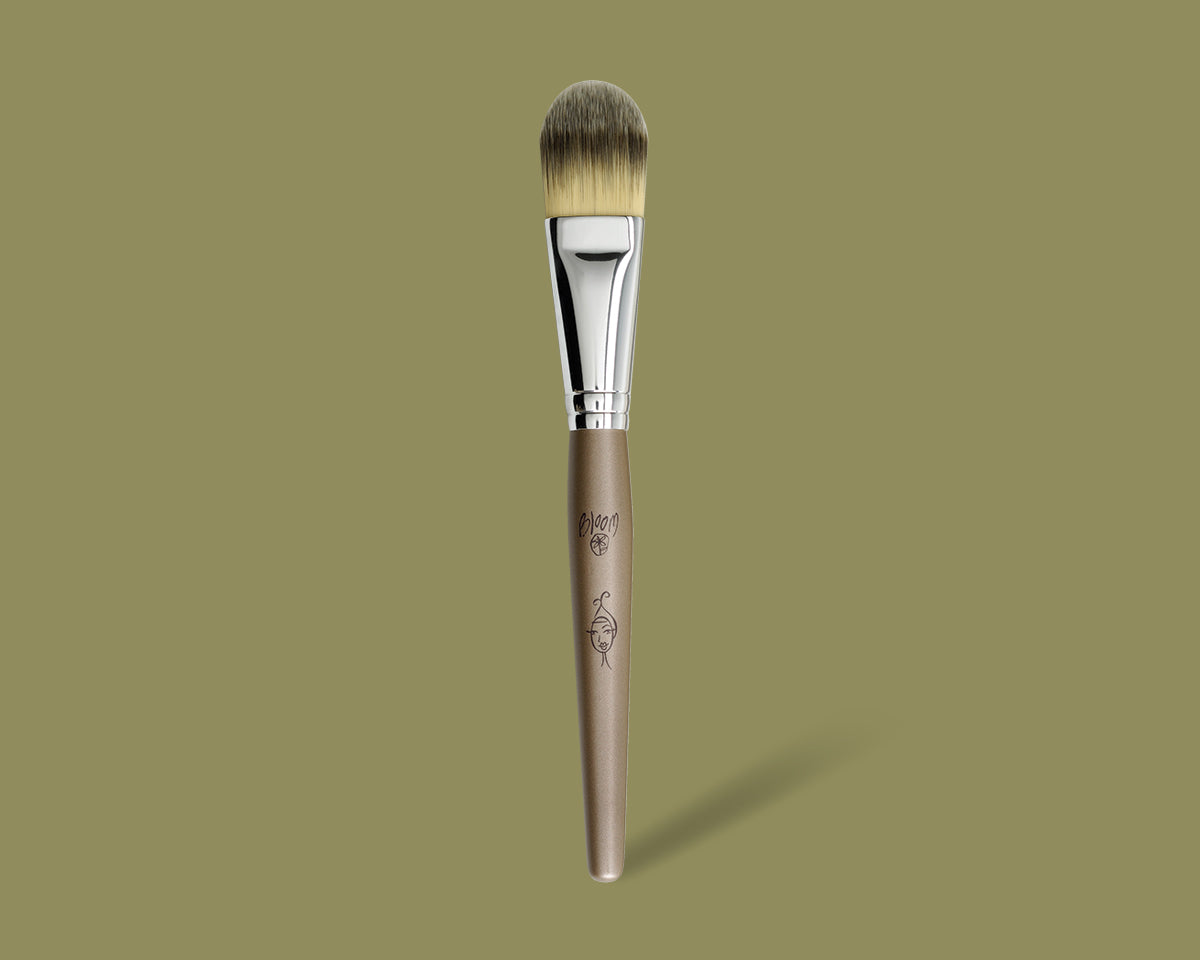 Liquid Foundation Brush - bloomcosmetics.com