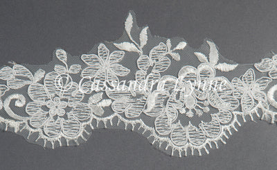 Bridal Veil of Scalloped Floral Eyelash Lace