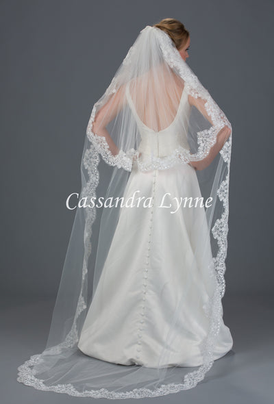 Bridal Veil of Two Layers of Wide Lace