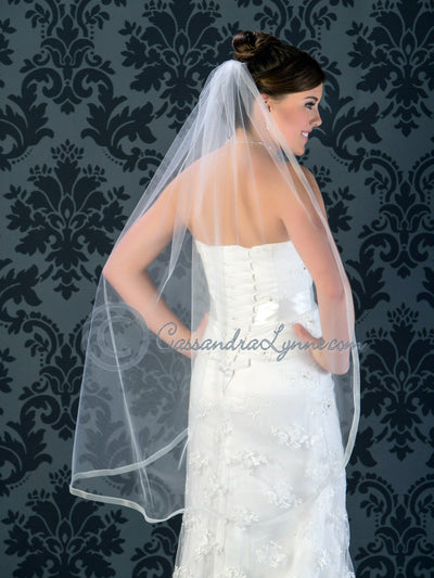 Sheer ribbon edge waltz veil