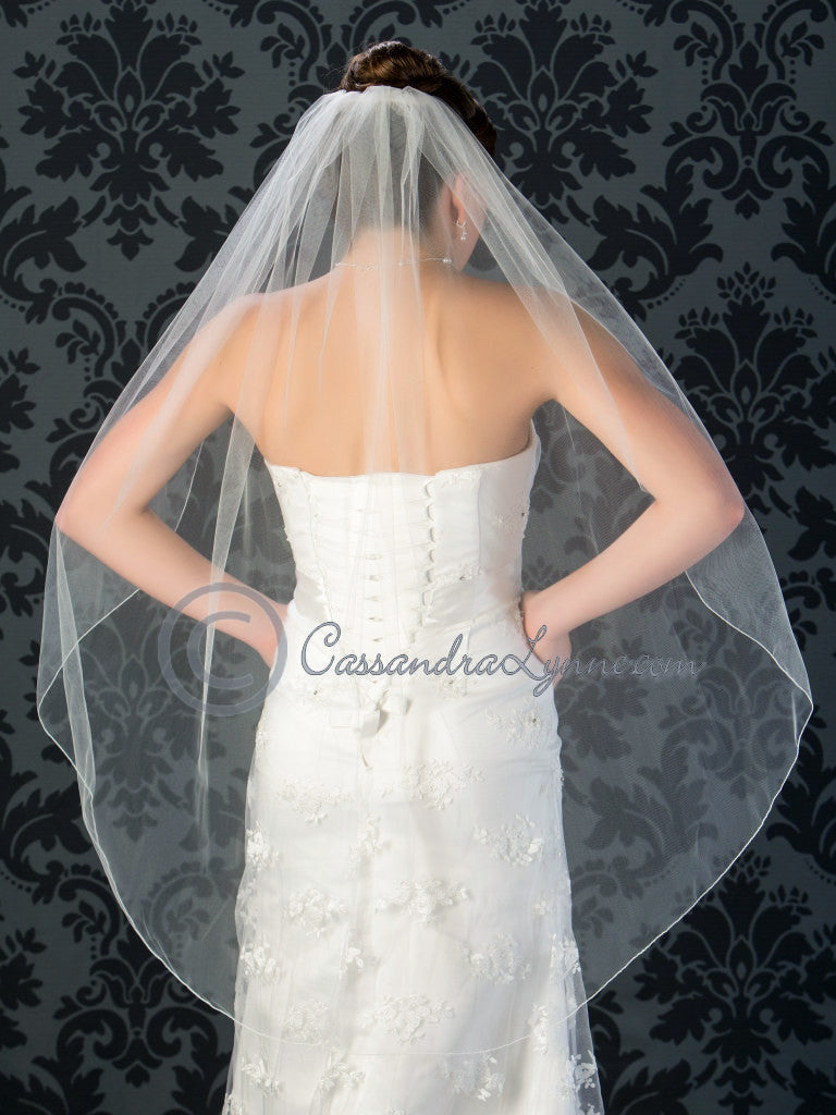 Wedding Veil with Simple Pencil Edge Knee Length