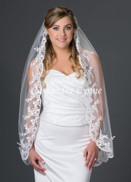Fingertip Bridal Veil with Floral Vine Lace