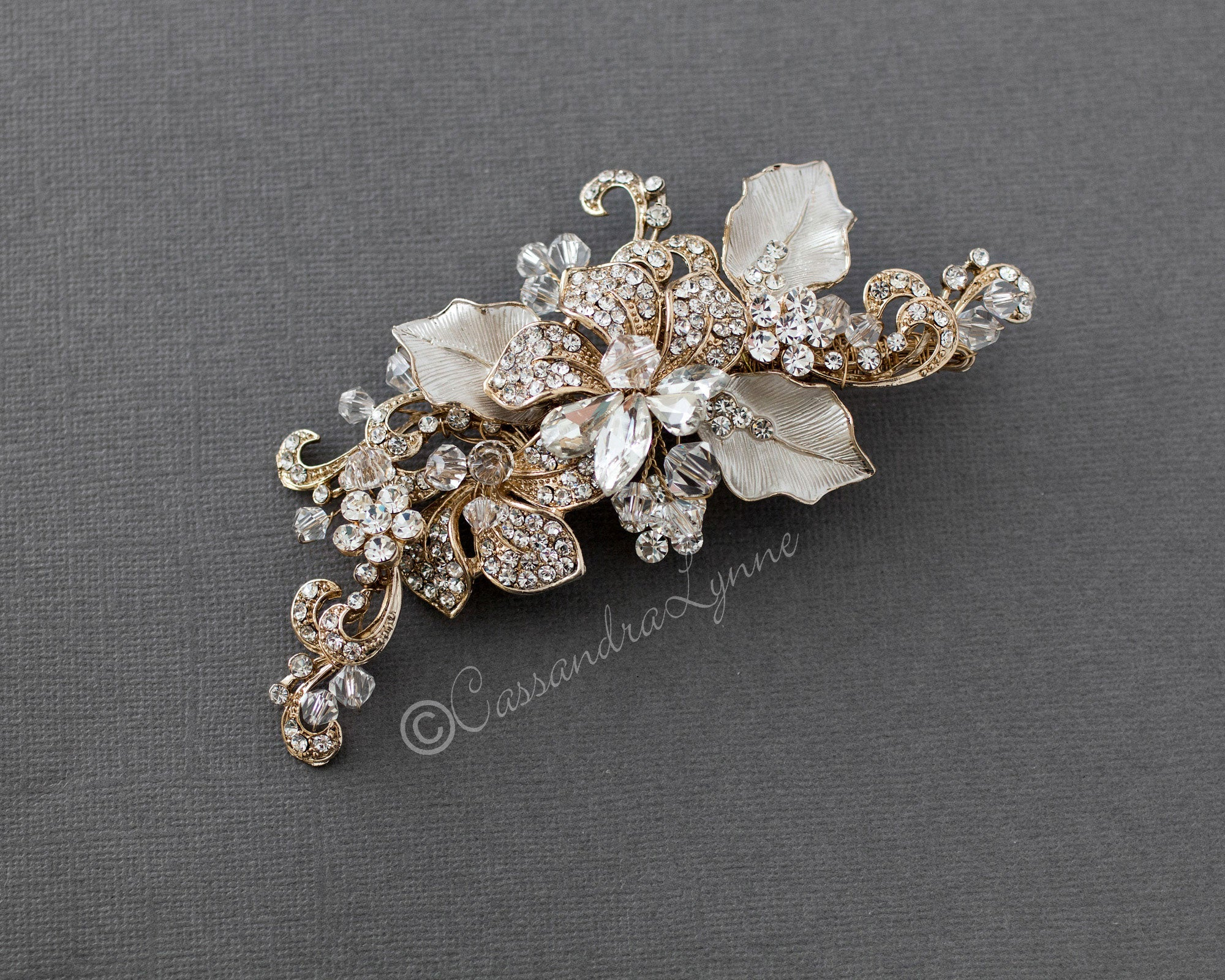light-gold-wedding-hair-clip