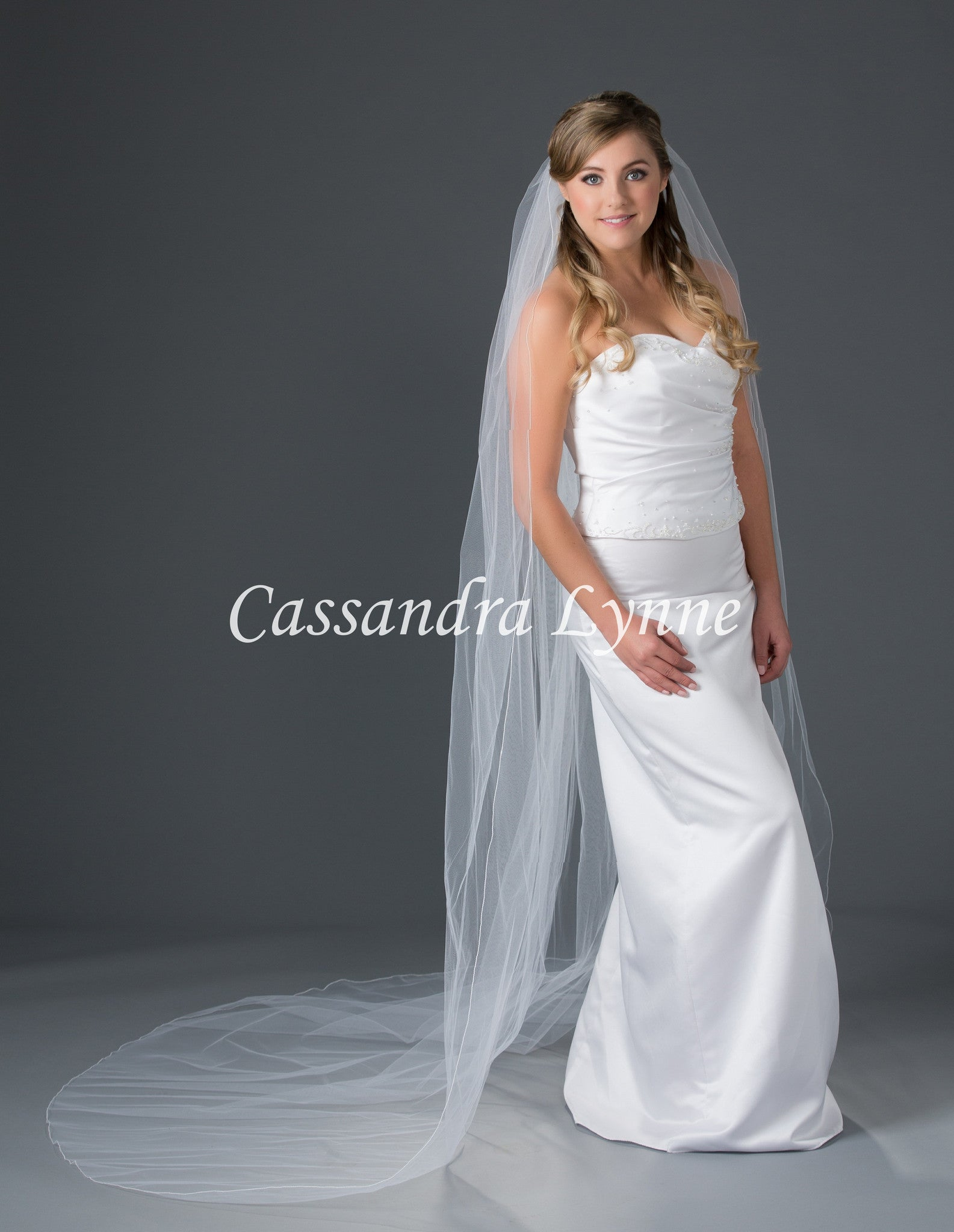 Chapel Bridal Veil with Corded Edge 108 Wide