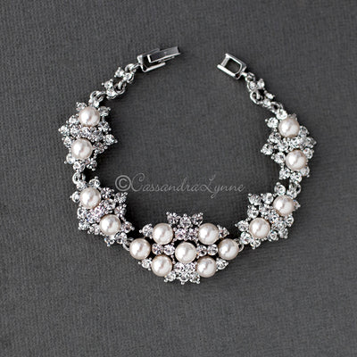Crystal and Pearl Clusters Bracelet