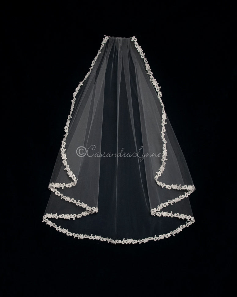Fingertip Flutter Cut Lace Bridal Veil