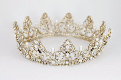 Full Circle Wedding Crown with Teardrop Pearls
