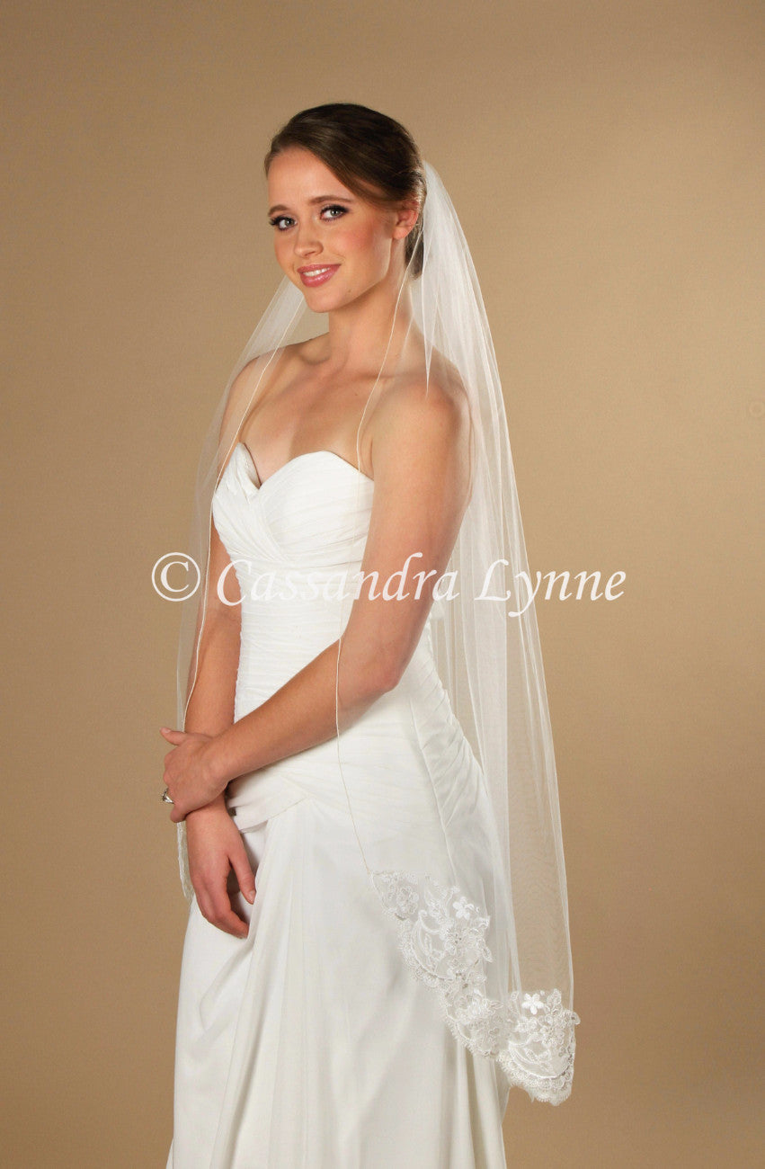 45 Inch Bridal Veil with Partial Floral Eyelash Lace