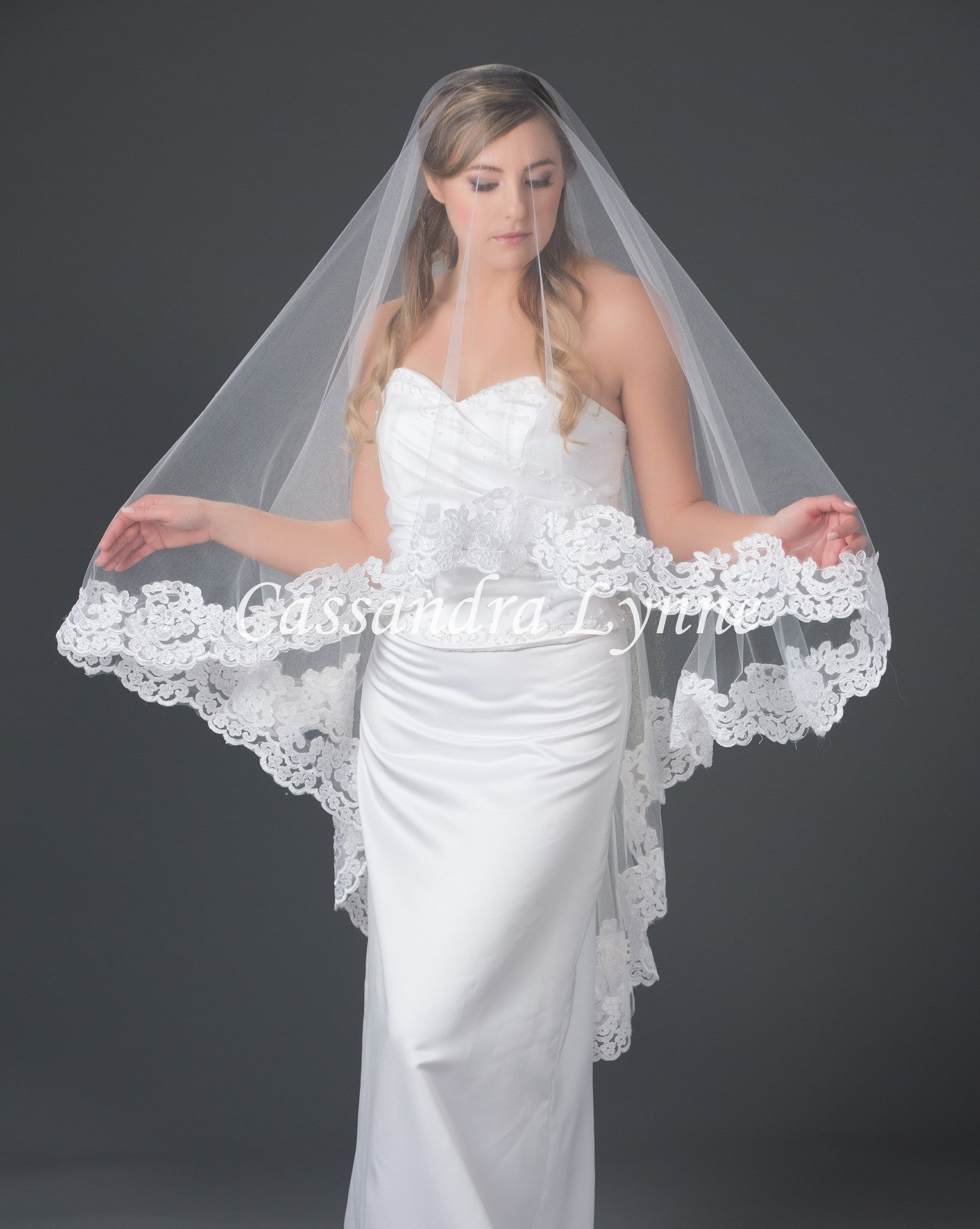 lace wedding veil knee length 45 inches wedding veils Lace Wedding Veil Knee Length 45 Inches