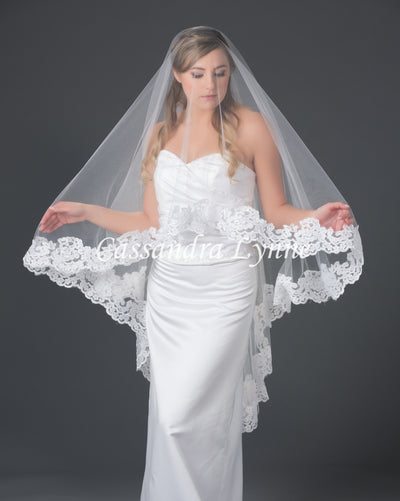 Lace Wedding Veil Knee Length 45 Inches