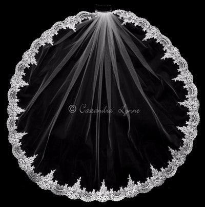 Lace Bridal Veil with Teardrop Pearls