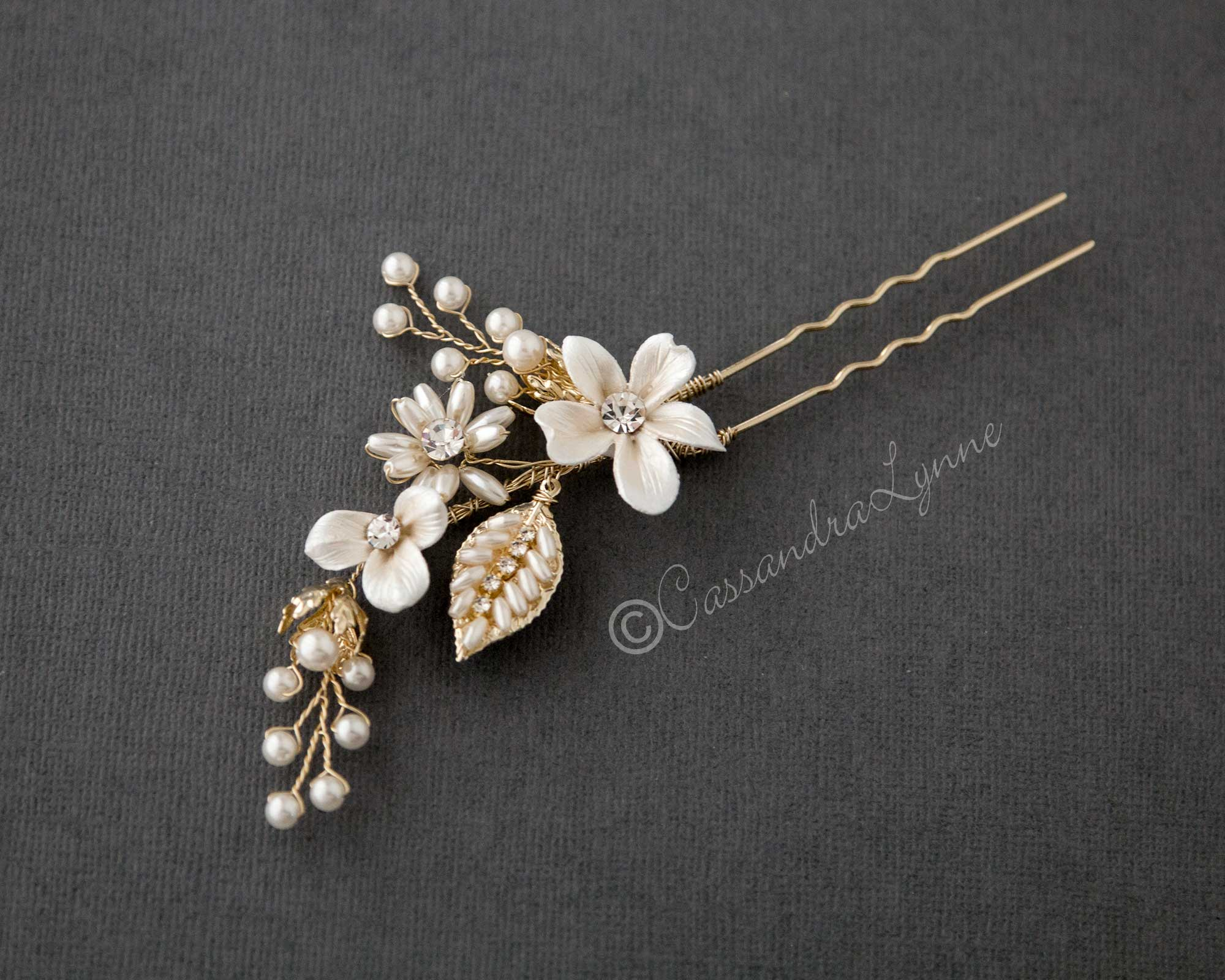 Light Gold Oat Pearl and Porcelain Hair Pin