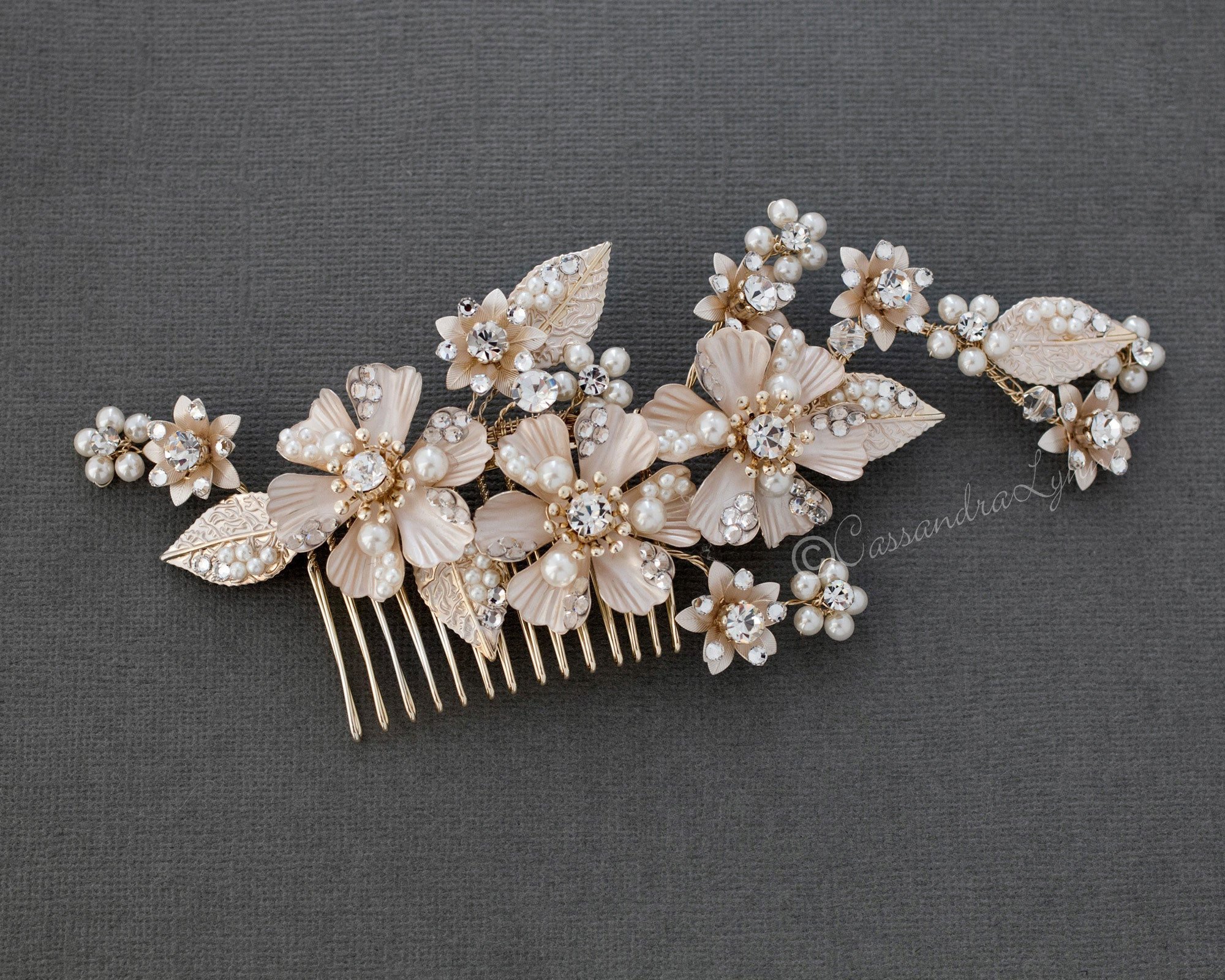 Matte Gold Metal Flowers and Pearls Comb