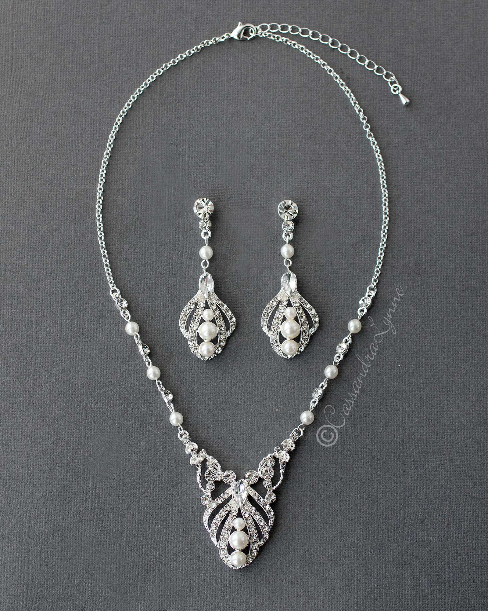 Regal Pearl Bridal Necklace Set