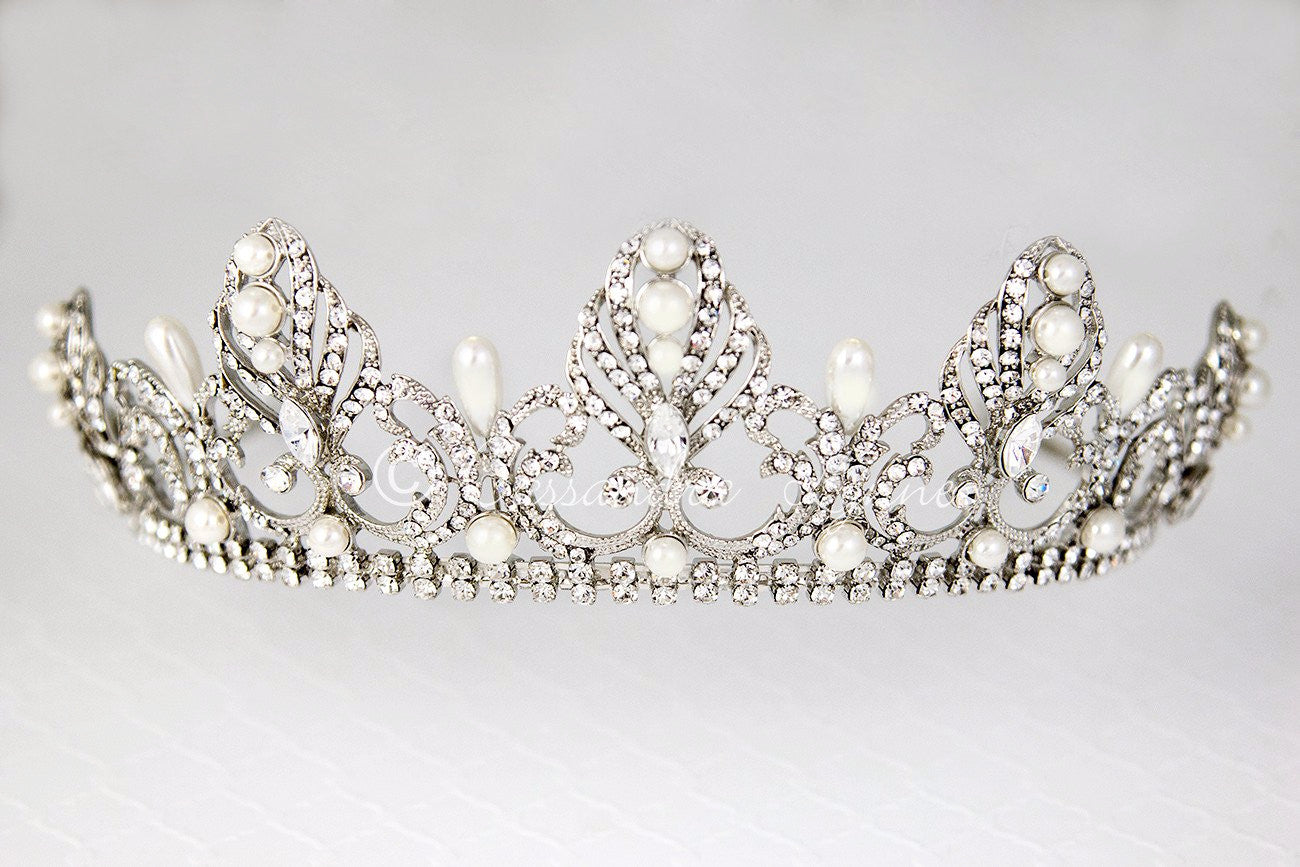 Regal Tiara of Tiara Drop Pearls