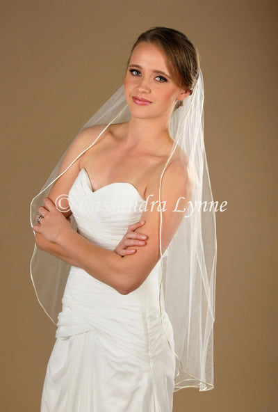 Fingertip Bridal Veil with Satin Cord Edge
