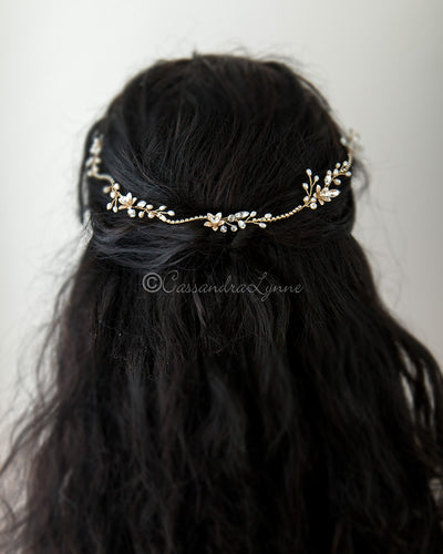 Simple Crystal and Pearl Hair Vine