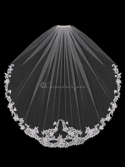 Mirrored Venise Lace Wedding Fingertip Veil