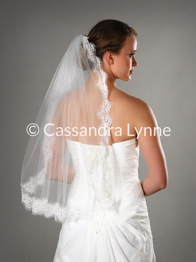 Waist Length Veil with Delicate Eyelash Lace