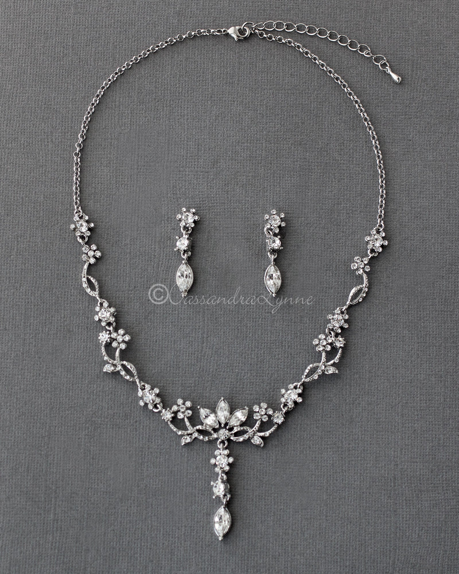 Antique Silver Flower Vine Necklace Set