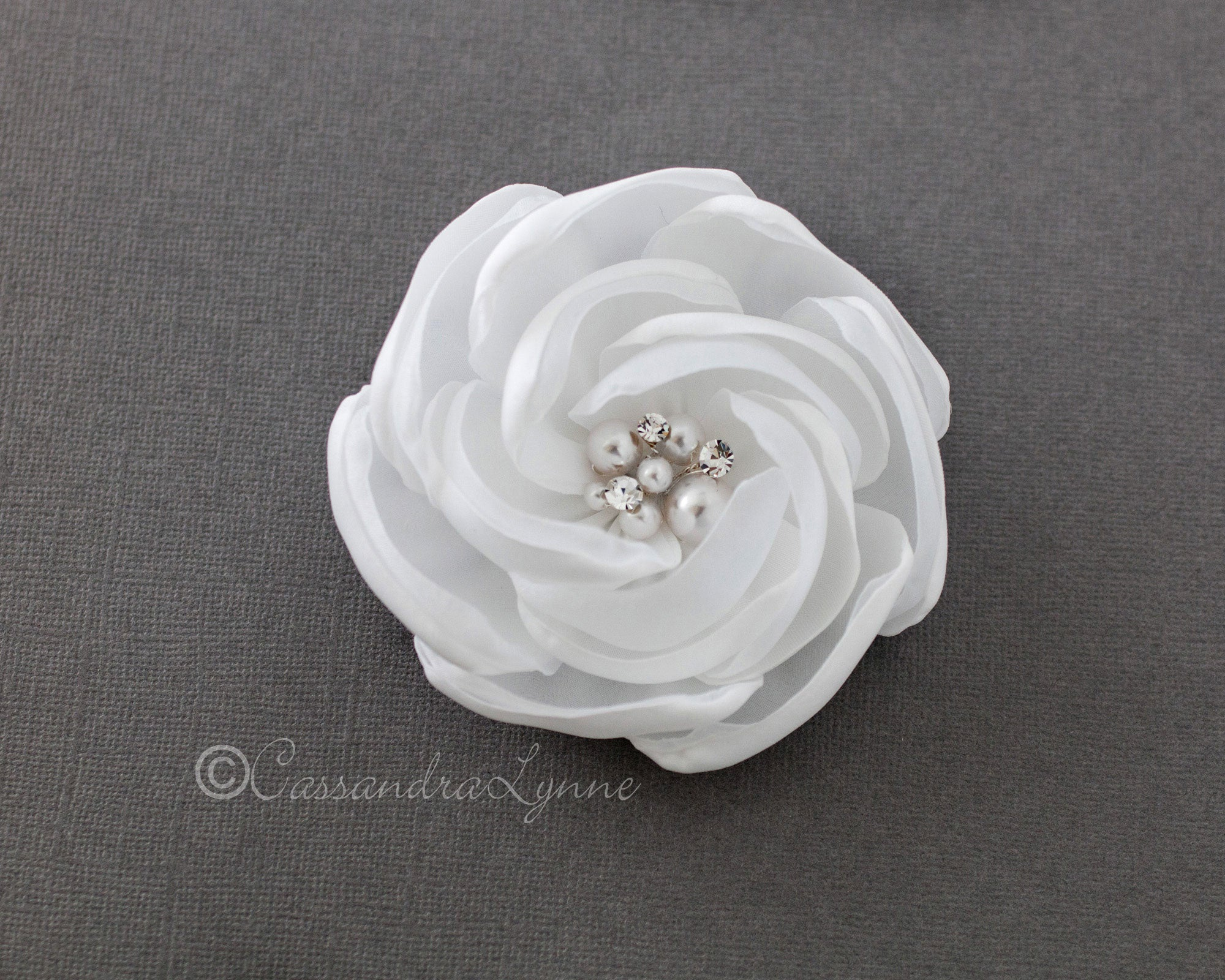 white wedding hair flower with white pearls