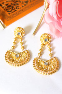 Gold plated earring embellished with pearls & kundan stones
