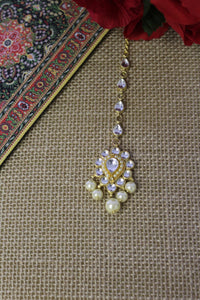 Drop motif tika studded with kundan & pearls