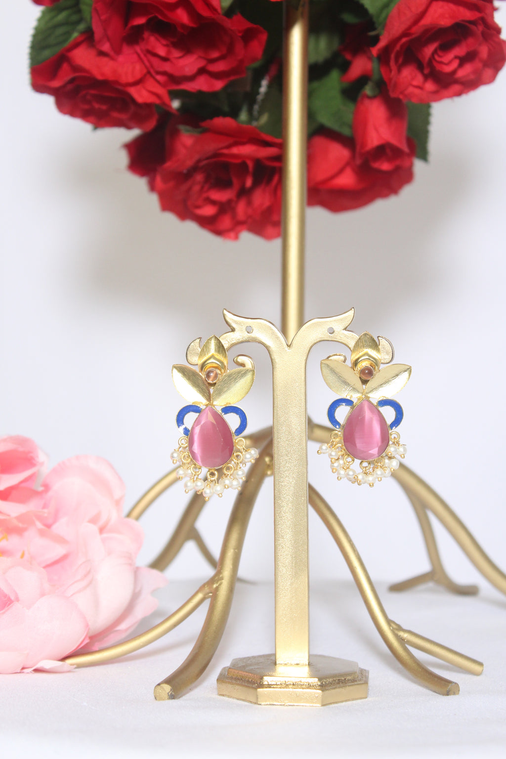 Gajri pink drop stone with abstract gold patti stud