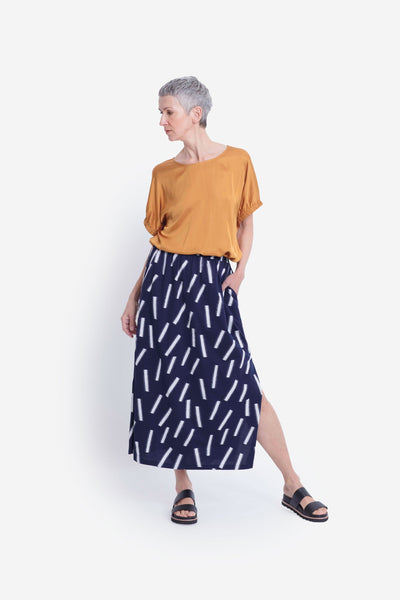 Fyn Printed Organic Cotton Skirt Model Front