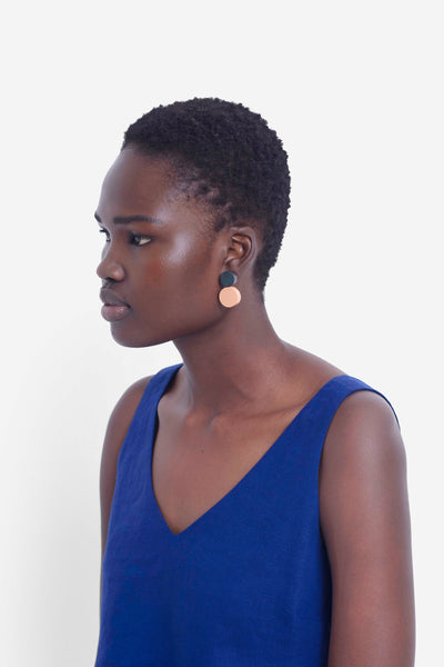 Lissi Earrings Model Front APRICOT