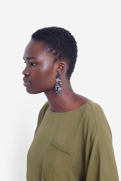 Hilma Shapes Earrings Model  NAVY