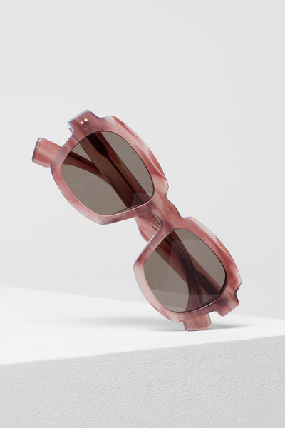 Jordet Chunky Rounded Square Framed Sunglasses Front Angled | Marble Rose