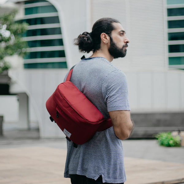 kee-indonesia-Beetle Camera Sling Bag Maroon
