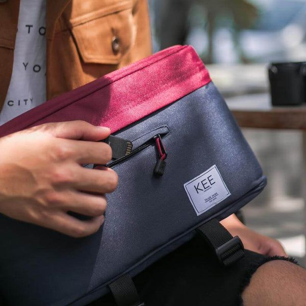 {KEE INDONESIA}-{Beetle Camera Sling Bag Navy Maroon}-{Beetle Edition}