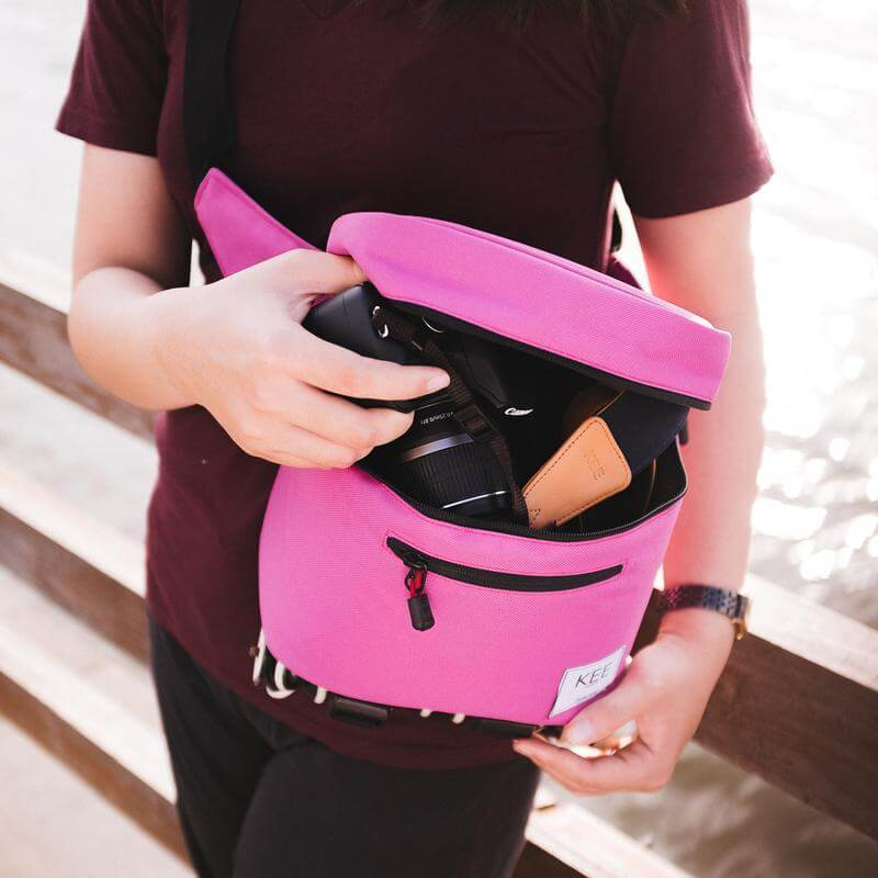 {KEE INDONESIA}-{Baby Beetle Camera Sling Bag Pink}-{Baby Beetle Edition}