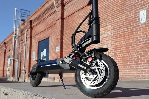 kaabo mantis dual motor performance e-scooter off road terrain