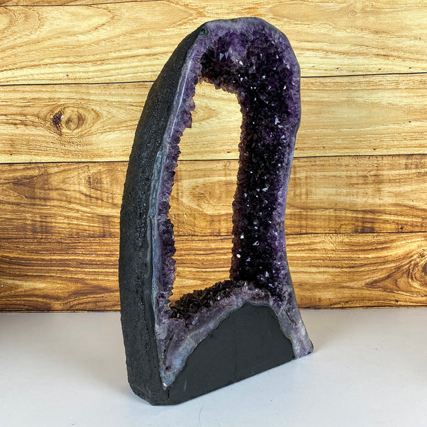 "Extra Quality Brazilian Amethyst Geode, 32 lbs and 20"" tall - 5605-0001"