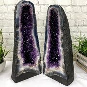"Large Quality Amethyst Geode Cathedral, 20.5"" tall and 60 lbs heavy (5601-0012B)"