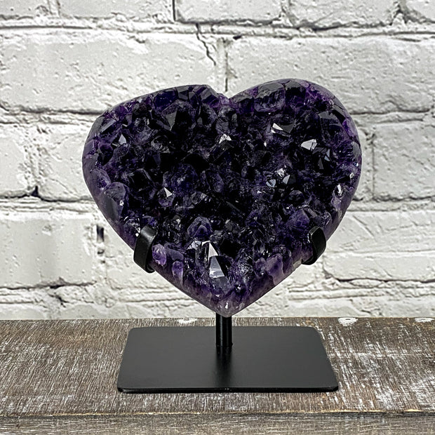 Quality Heart-shaped Amethyst geodes on black metal stand, various sizes (5463-0004)