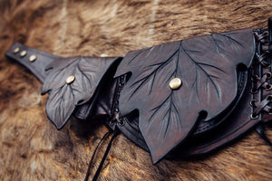 Three Leaf Pocket Belt