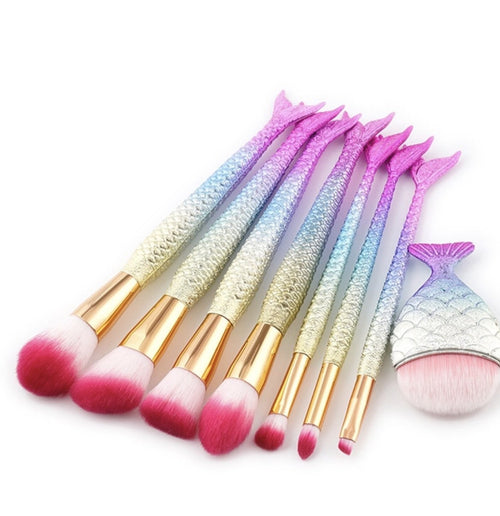 Pink mermaid 8 makeup brush set PHYSICAL My Beautiful Fluff