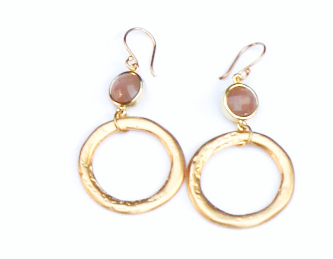 GOLD HOOP W/ PINK STONE EARRINGS