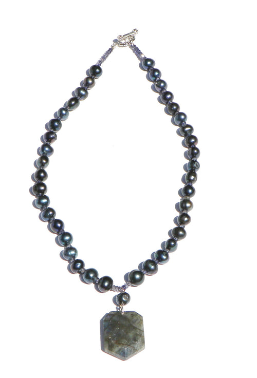 BLACK AND BLUE PEARL NECKLACE
